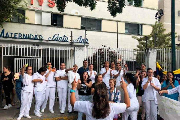 Enfermeras de diversos centros de salud caraqueños se unieron al llamado a paro