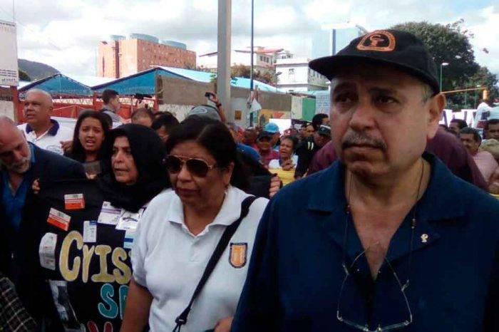 """La escasez de medicamentos en Venezuela """"se está pagando con la vida"""" de los ciudadanos"""