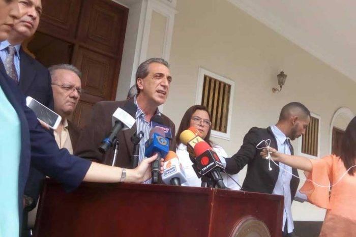 Fracción 16 de julio reitera que no apoyan elecciones hasta salir de Maduro