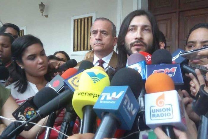 Renzo Prieto se juramentó ante la Asamblea Nacional tras excarcelación