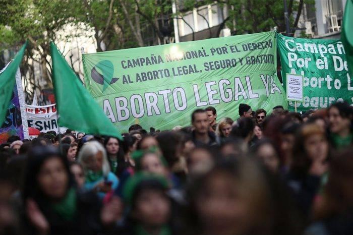 Congreso argentino aprueba proyecto de ley de despenalización del aborto