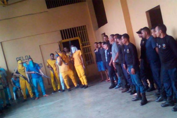 Siete presos lideran motín en la cárcel de Cumaná para exigir un traslado