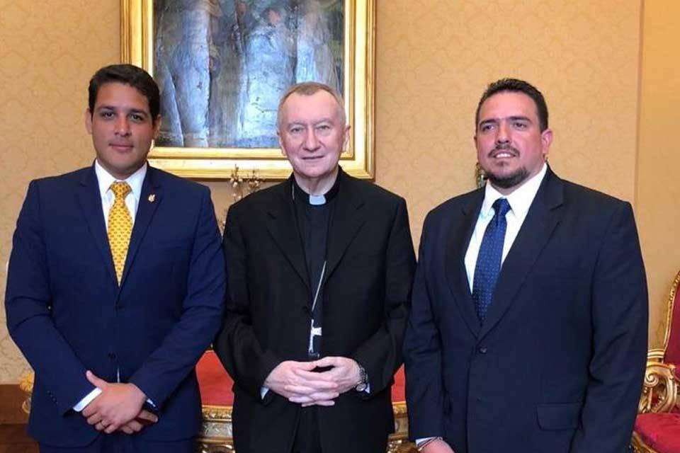 Diputados cardenal Pietro Parolin