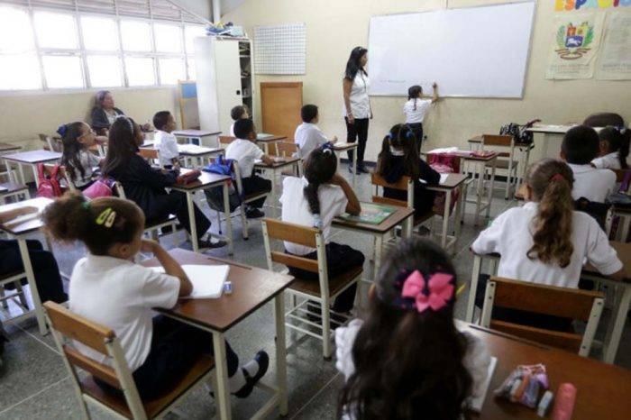 Redhnna: La pandemia Covid 19, el año escolar y la educación a distancia