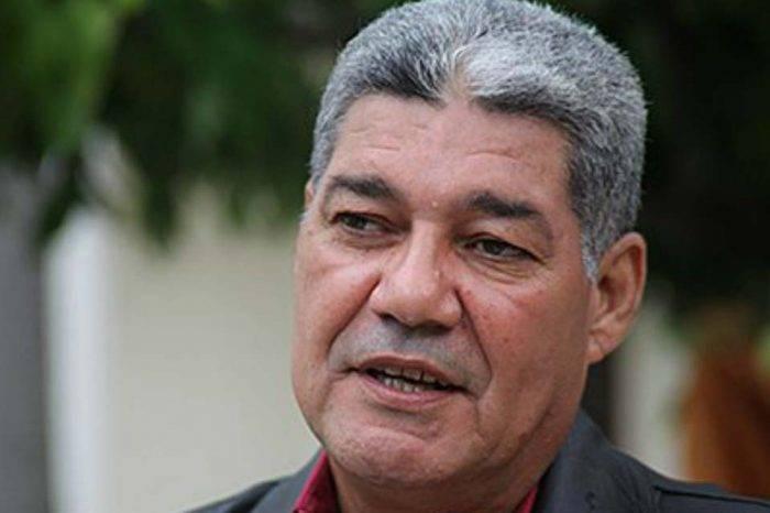 Ministro Piñate aclara que aumento salarial entra en vigencia el 1° de julio