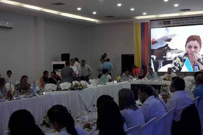 Parlamentos regionales se comprometen en ayuda migratoria a venezolanos