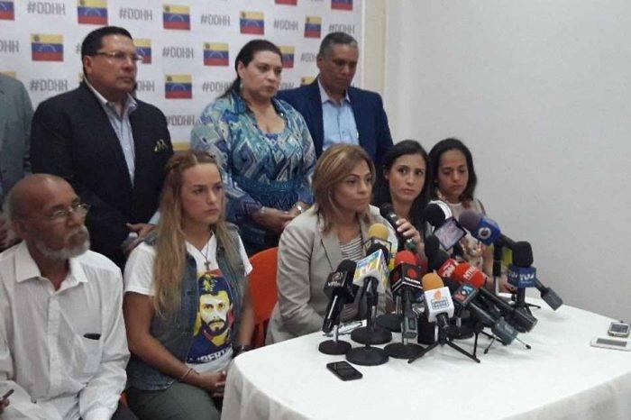 Familiares piden acelerar procesos judiciales a favor de presos políticos