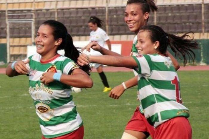 Fútbol femenino. Foto: Flor de Patria