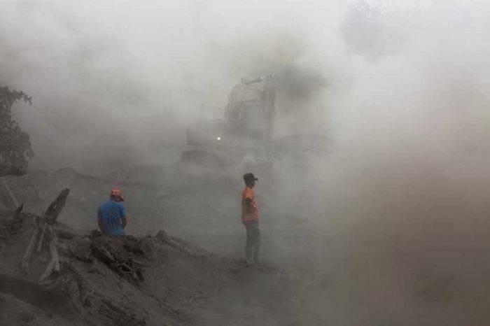 Casi dos millones de personas afectadas por erupción de volcán en Guatemala