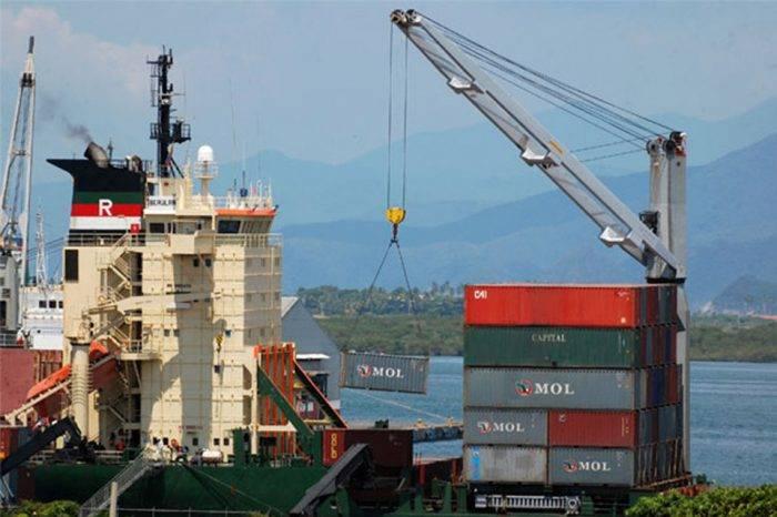 Trump aplica aranceles a importaciones chinas valuadas por $50.000 millones