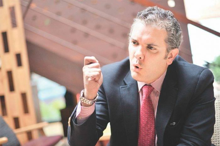 """Iván Duque asevera que gobierno de Maduro """"promueve, protege y auspicia al ELN"""""""