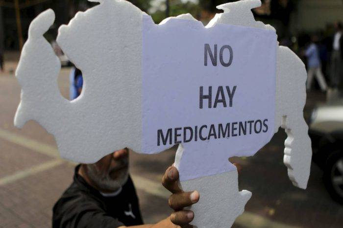 Freddy Ceballos estima que escasez de medicinas ronda 85%