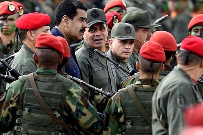 Maduro entre Militares