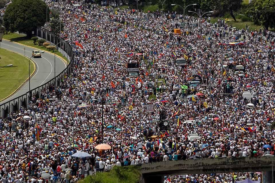 Marcha opositora. Foto: Univisión