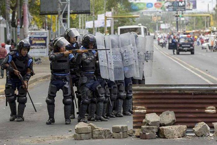 """Ortega configura una represión """"a la venezolana"""" con más muertos en Nicaragua"""