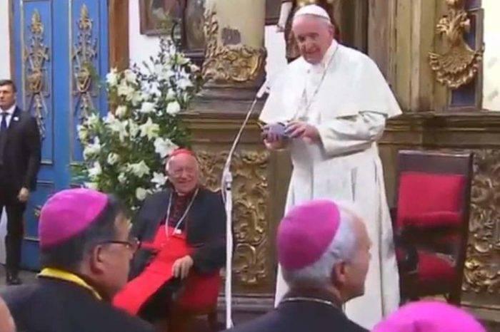 Papa Francisco acepta renuncia de tres obispos chilenos por casos de abuso sexual