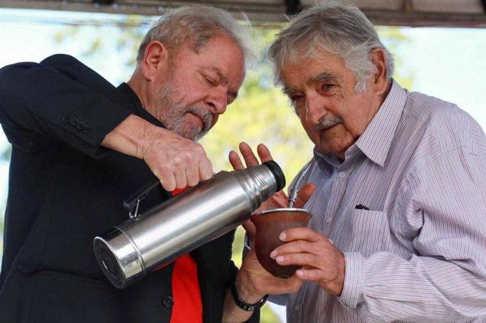 """""""Pepe"""" Mujica visitará este jueves a Lula da Silva en prisión"""