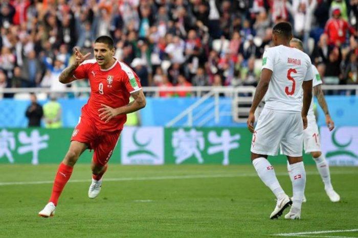 Shaqiri guía victoria de Suiza sobre Serbia 2-1
