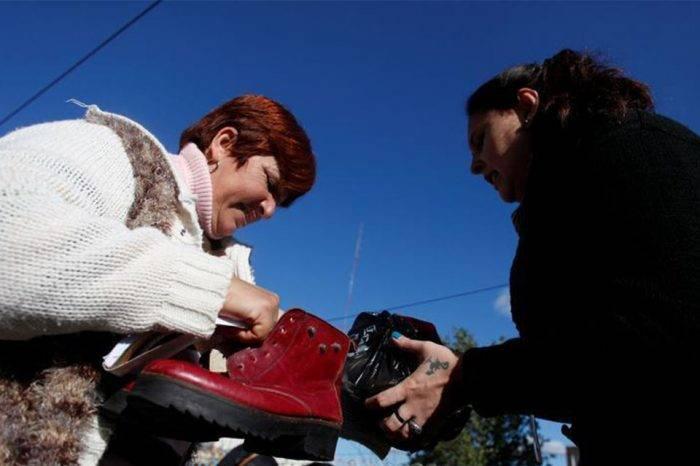 Argentinos recurren al trueque para lidiar con pobreza tras crisis financiera