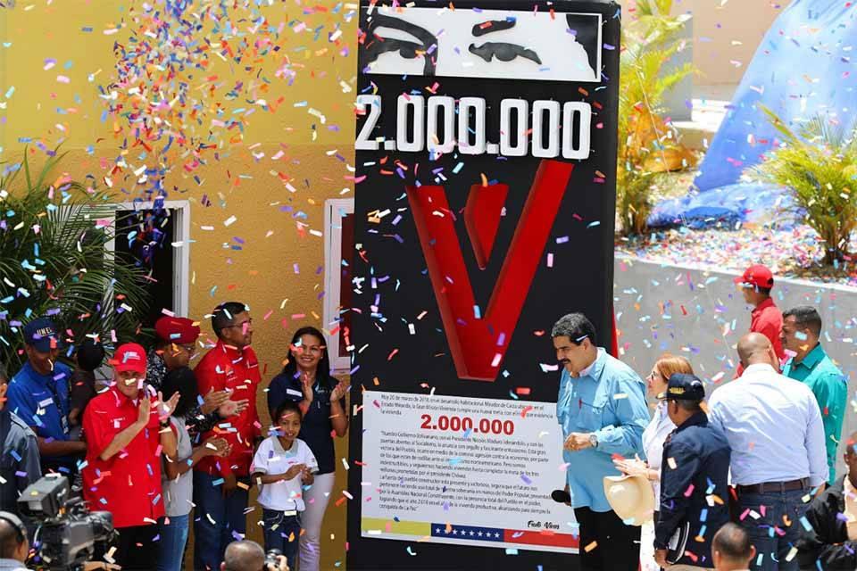 Maduro asegura que ya sobrepasó la vivienda 2 millones