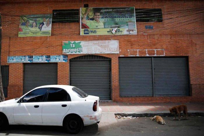 Familiares de víctimas de Los Cotorros protestaron ante la Fiscalía para exigir justicia