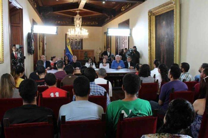 Estudiantes de la UPEL y otros presos del Helicoide podrían ser excarcelados