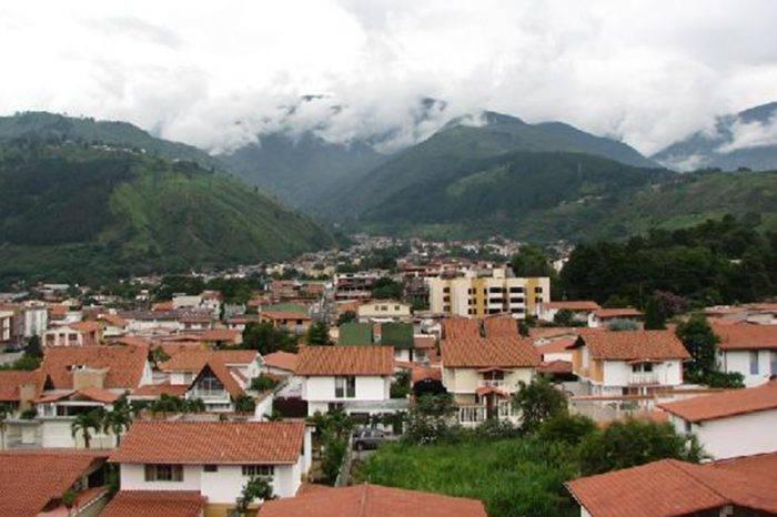 Cinco casas se derrumbaron en el sector Belén ubicado en Mérida