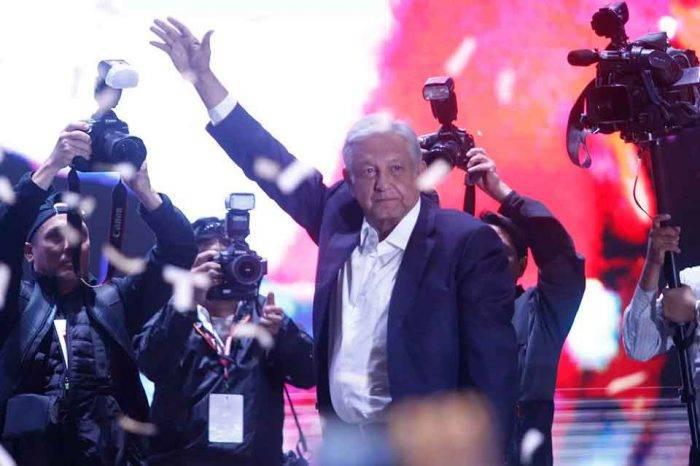 Venezolanos en México evalúan a López Obrador desde el trauma de Hugo Chávez