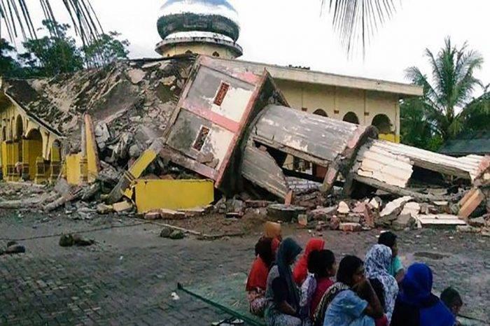14 personas fallecieron víctimas de un terremoto en Indonesia