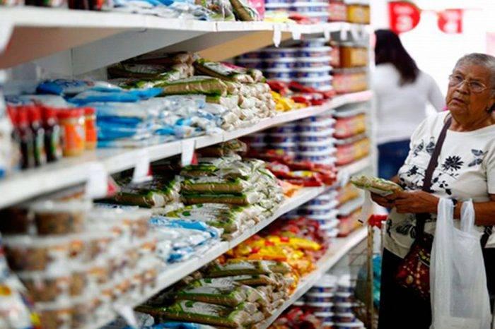 Agroindustriales habrían acordado con el gobierno precios de 25 productos