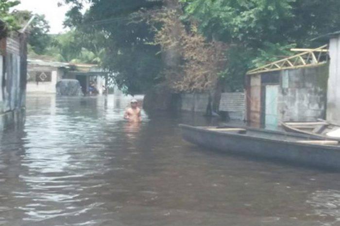 Dos muertos y cientos de damnificados por inundaciones en Amazonas y Bolívar