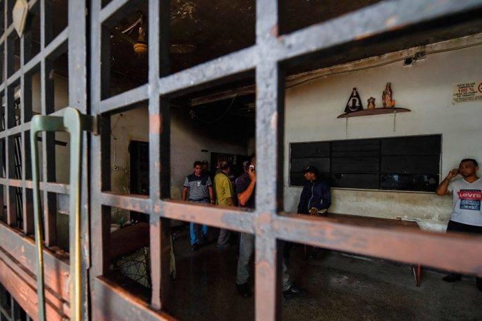 Foro Penal: Hay 242 presos políticos y 7.324 personas sometidas a juicios penales