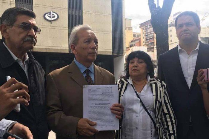 Diputados denunciaron a Nicolás Maduro en Fiscalía por abuso de funciones
