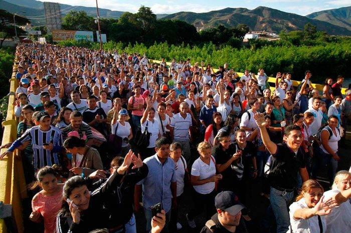 La mayoría de las personas que se quieren ir del país se identifican como chavistas