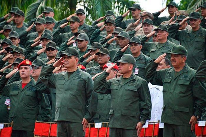 Comandante del Ejército y mandos de componentes ratifican lealtad a Maduro