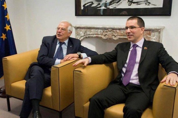 Jorge Arreza y Josep Borrell