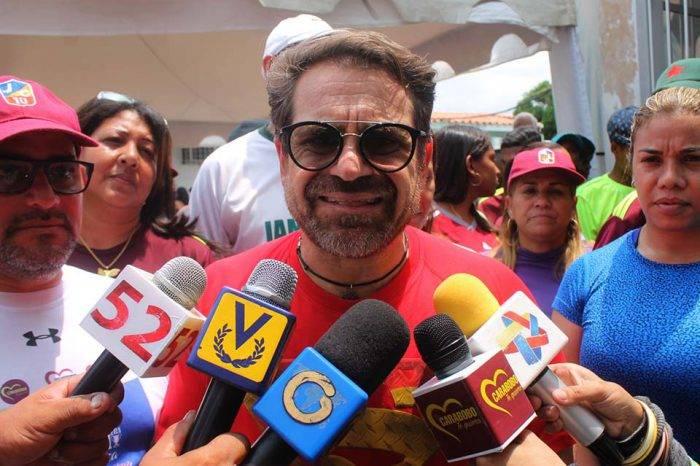 """Lacava advierte que """"recuperará"""" la Universidad de Carabobo"""