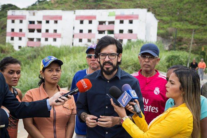 Pizarro denuncia colapso de los servicios públicos en Petare