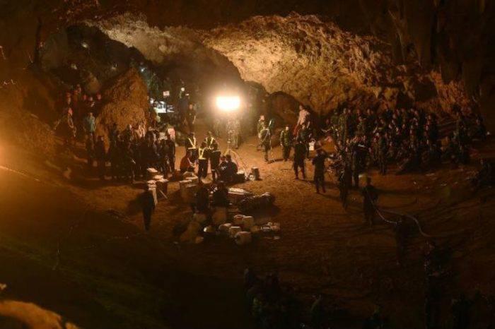 Niños atrapados en cueva de Tailandia aseguran en carta que se encuentran bien