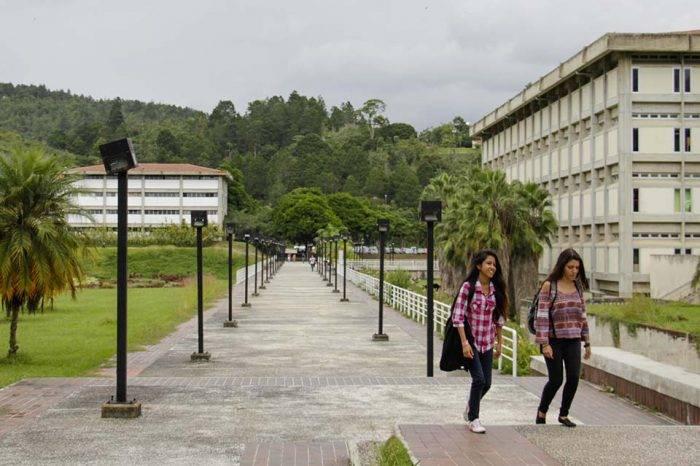Universidades venezolanas bajan posiciones en medición de ranking de calidad