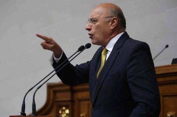 Diputado Dávila acusó al Gobierno de estar en complicidad con grupos del ELN