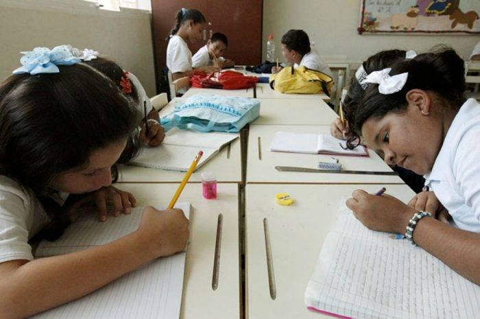 Jaua anunció fechas de retorno a clases para inicial, primaria y bachillerato