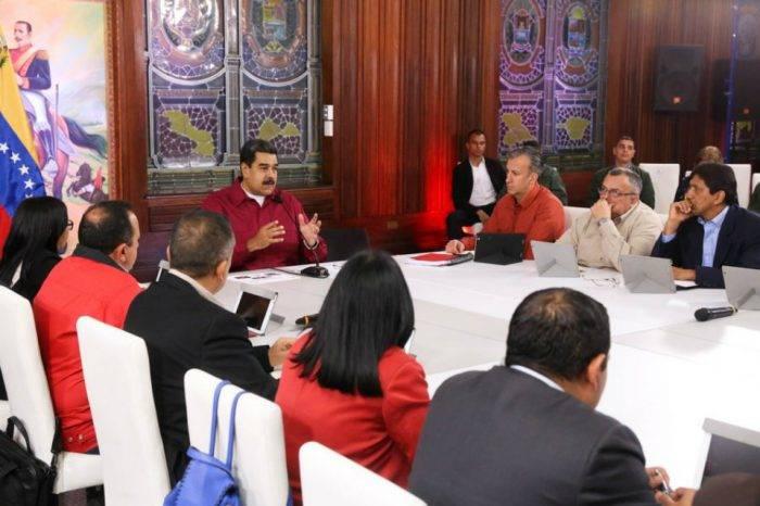 Maduro asegura tener billetes de sobra para el nuevo cono monetario