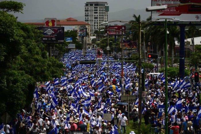 Marcha en memoria de menores asesinados dejó un muerto y nueve heridos en Nicaragua