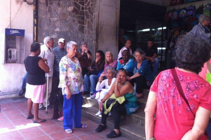 Banco Caroní de la avenida Andrés Bello se quedó sin remesas para pensionados