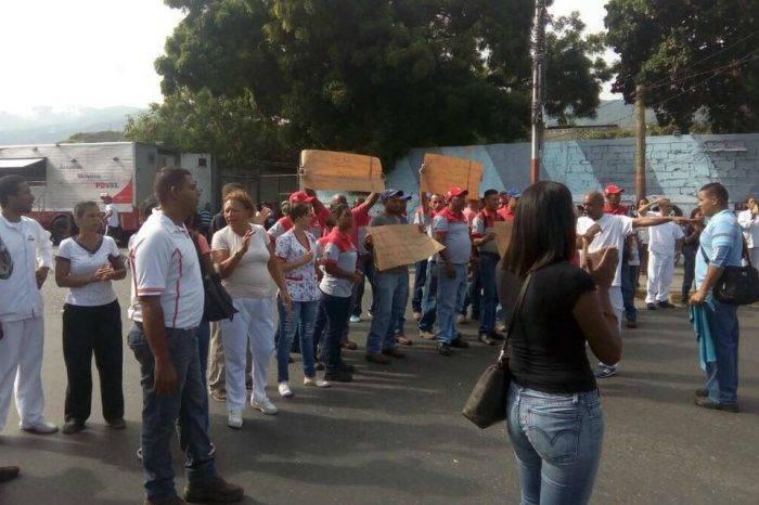 Trabajadores de Venezolana de Cementos protestaron en Catia La Mar