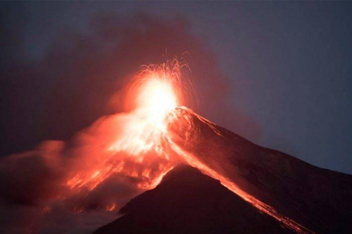 Se reactivaron las erupciones del Volcán de Fuego en Guatemala