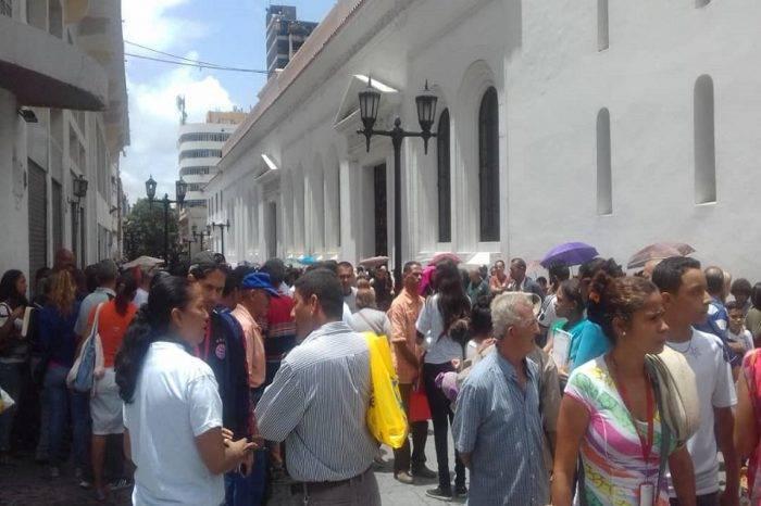 Desorganización y politización marcaron inicio del censo de transporte