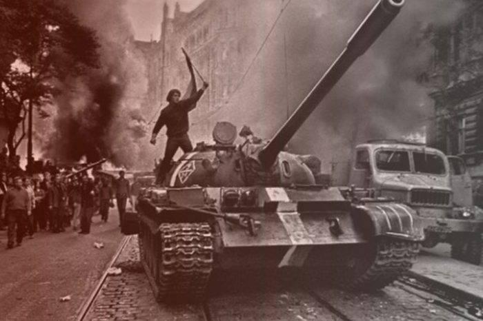 Huelga la levedad del ser (50 años de la invasión a Checoslovaquia)