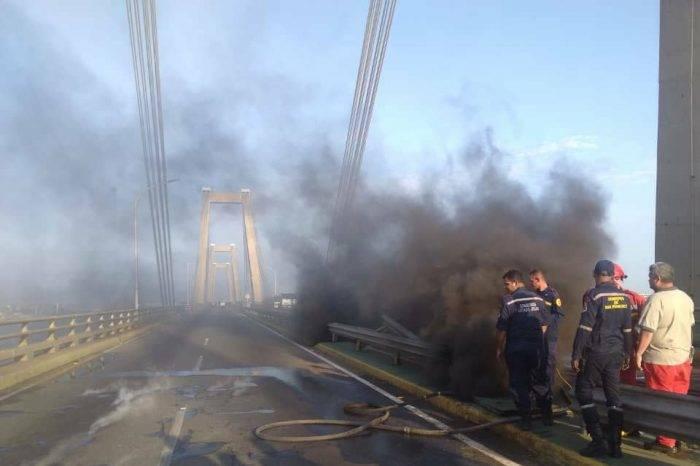 Agua que se quema, puente sobre el lago de Maracaibo se incendió
